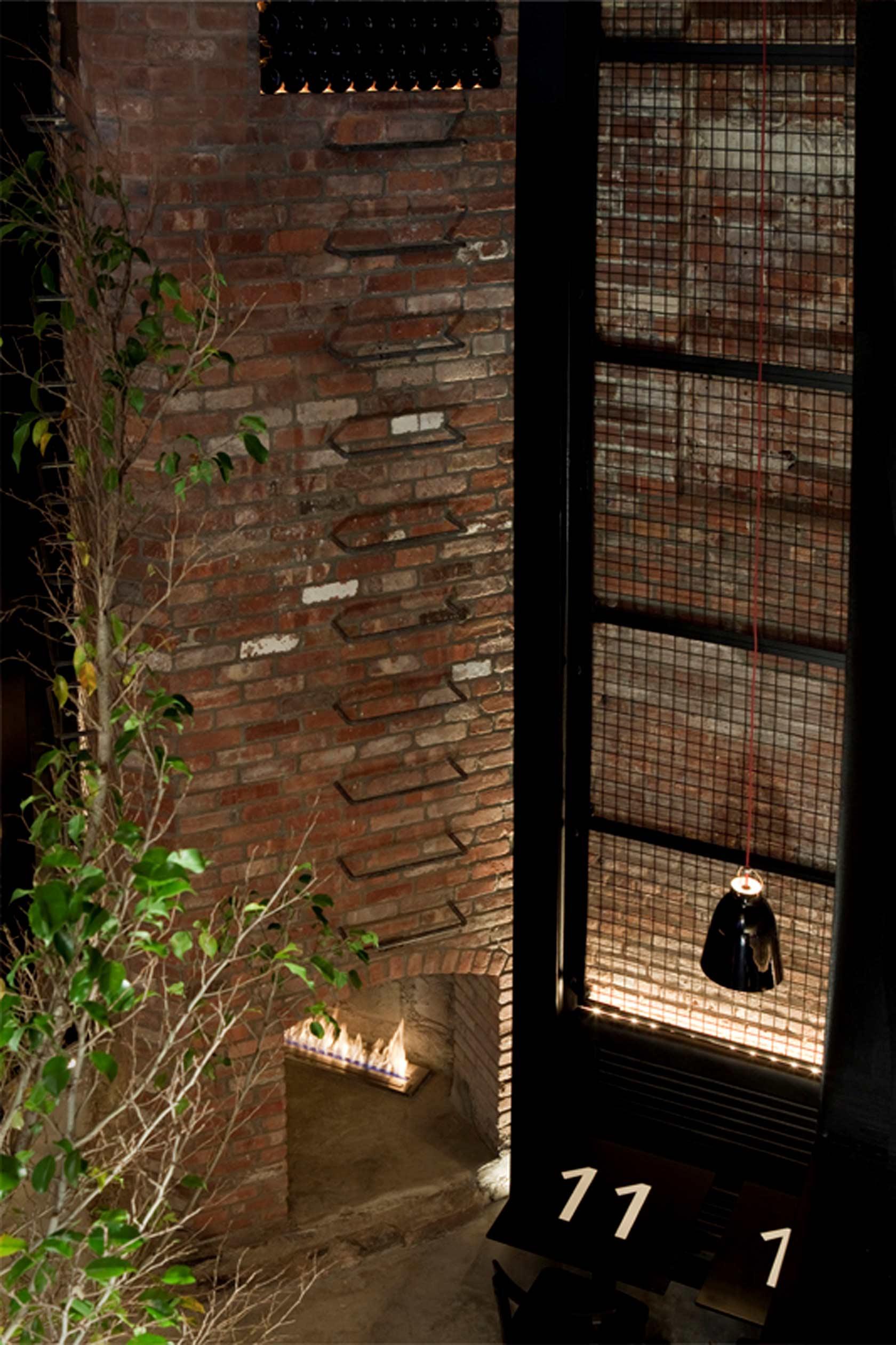 Tartinery Restaurant Nolita by Sguera Architecture PLLC, Leo Sguera architect NY.